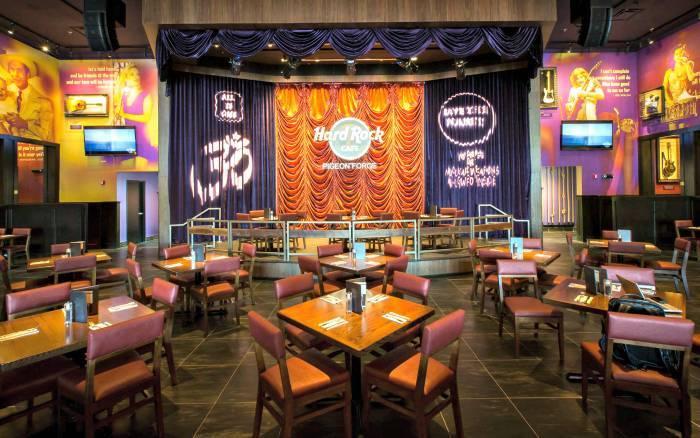 Hard Rock Cafe Pigeon Forge inside