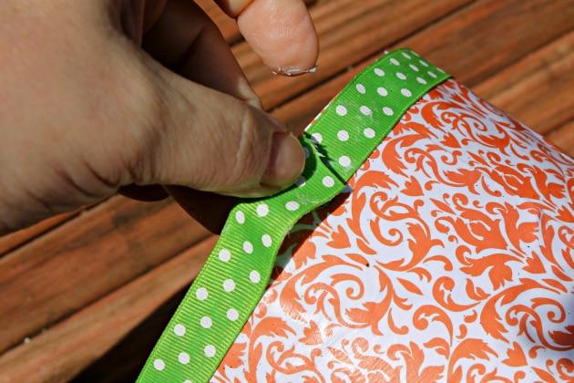 applying ribbon
