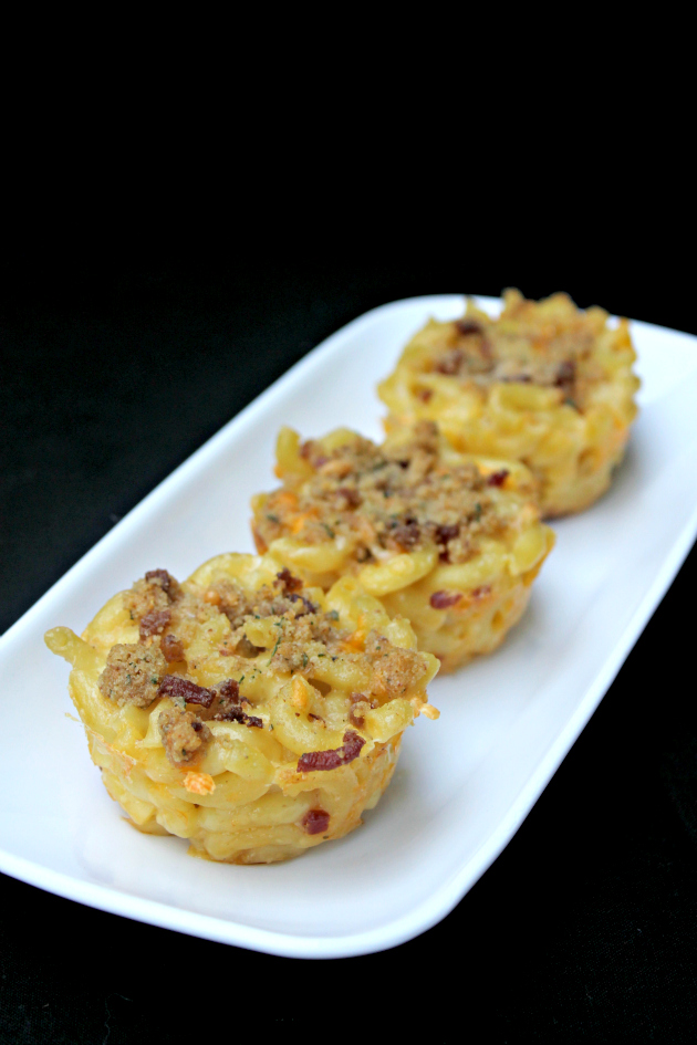 30 Minute Baked Bacon Macaroni and Cheese Cups - Kicking It With Kelly