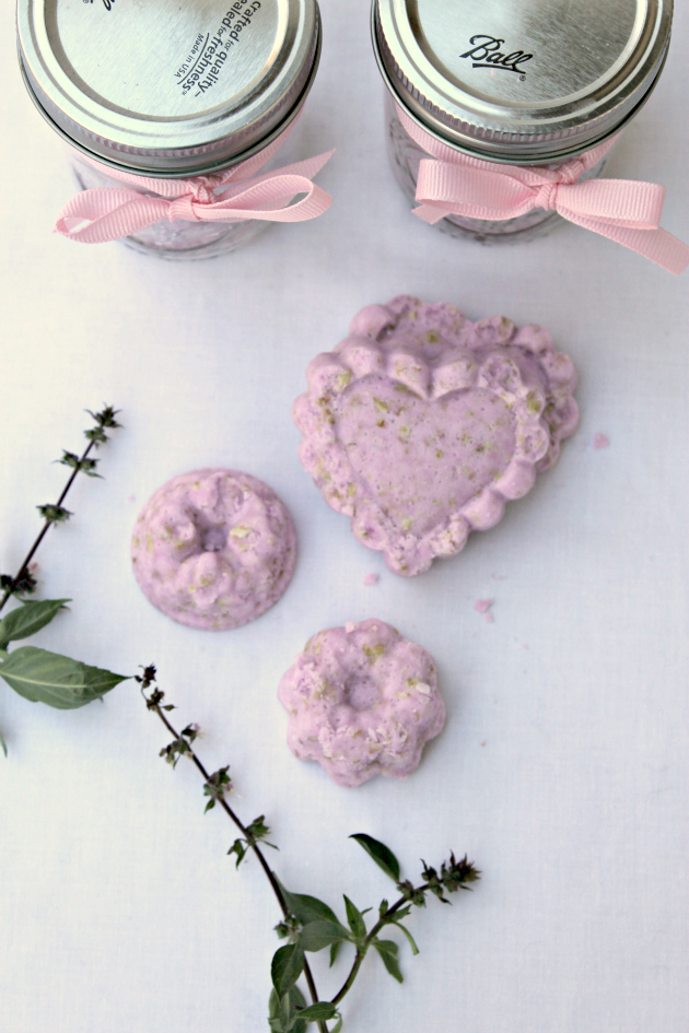 Soothing Oatmeal Lavender Bath Bomb Recipe 4