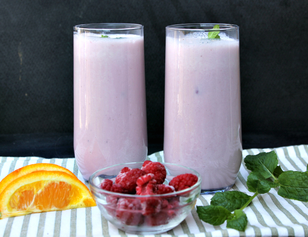 Vegan Cran-Raspberry Mint Smoothie