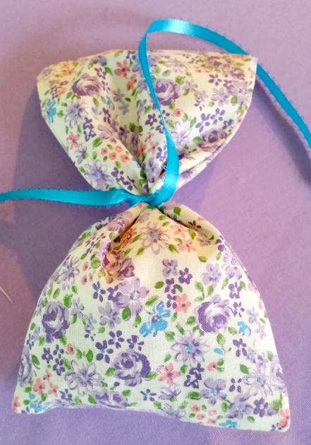 How To Make Homemade Potpourri And Sachet Bags ribbon
