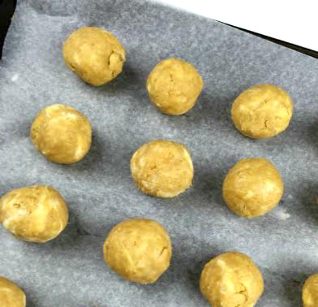 Lemon Oreo Truffles balls