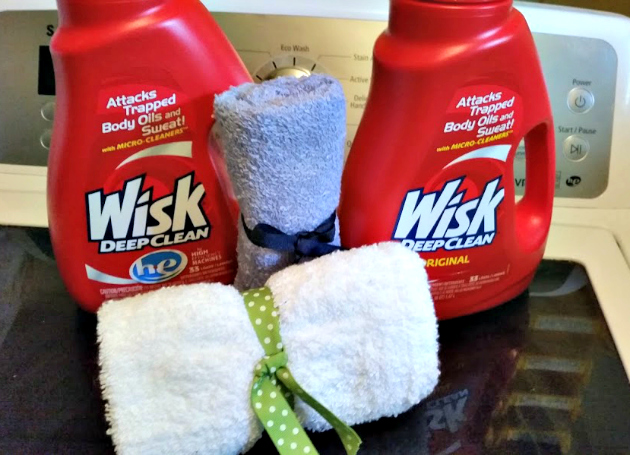 DIY Mesh Laundry Bag Tutorial wisk 2
