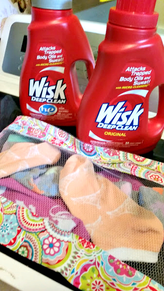 DIY Mesh Laundry Bag Tutorial wisk