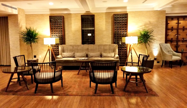 Hutton Hotel in Nashville lobby2