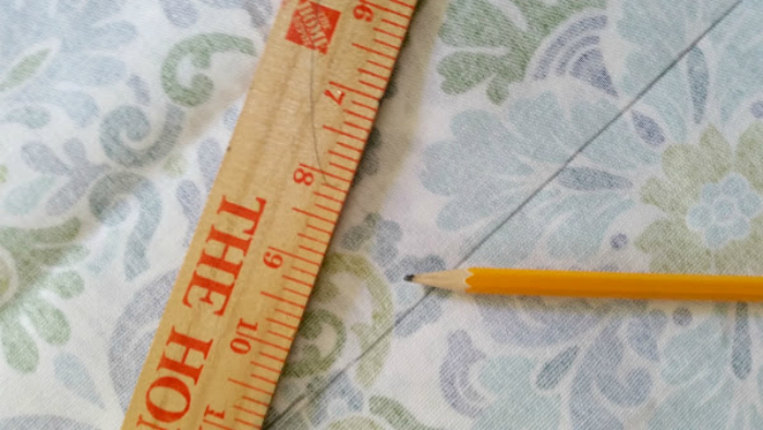 How To Sew Your Own Easy To Make DIY Cat Bed measure