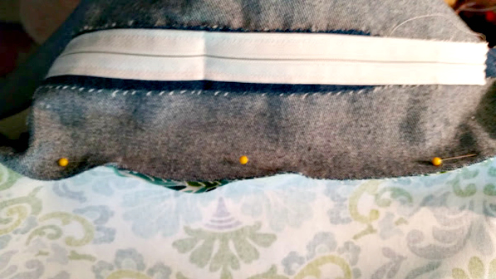 How To Sew Your Own Easy To Make DIY Cat Bed top and bottom