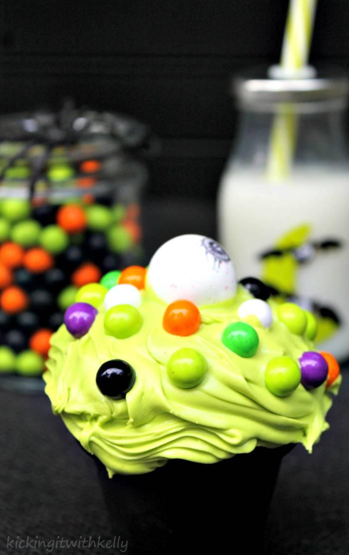 Spooky Halloween Treat | Eye Of Newt Cupcakes 4