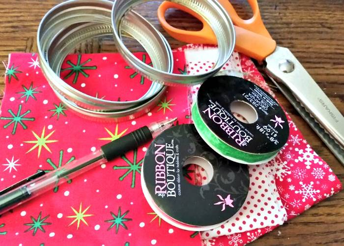 DIY Mason Jar Ring Fabric Wreath Ornaments supplies