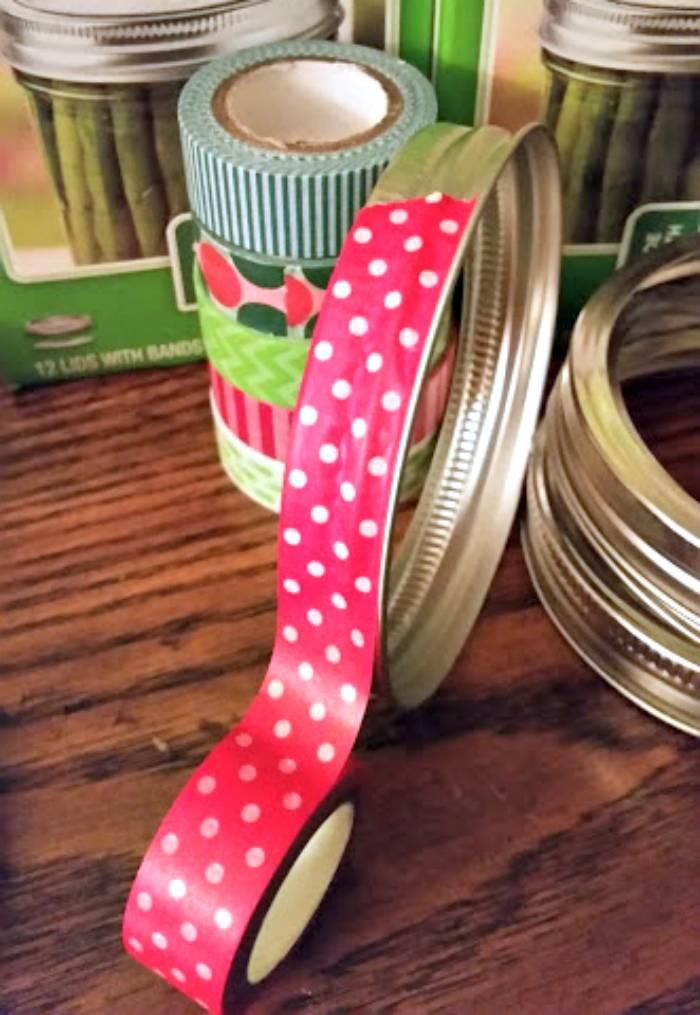 Washi Tape Mason Jar Lid Christmas Wreath step one