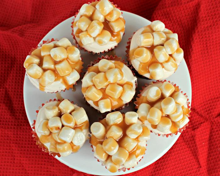 Oscar Night Snack Salted Caramel Corn Popcorn Cupcakes on oscar popcorn cups