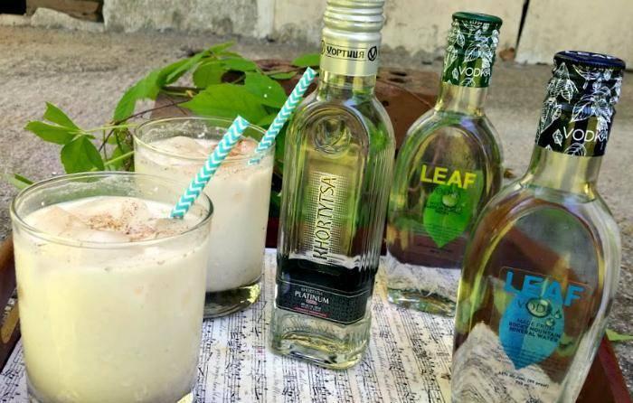 Boozy Horchata Milkshake Cinco de Mayo Cocktail rocks