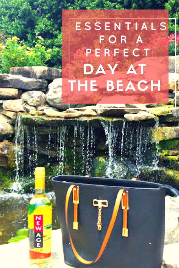 Sometimes, a day in the sun with my girlfriends is just what the doctor ordered! Here is my List Of Essentials For A Perfect Day At The Beach #ad @bellavitabags