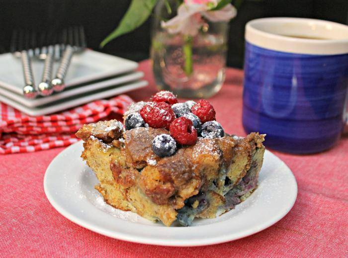 his Easy Blueberry French Toast Casserole Recipe is the perfect weekend brunch recipe. It will satisfy even the biggest sweet tooth!