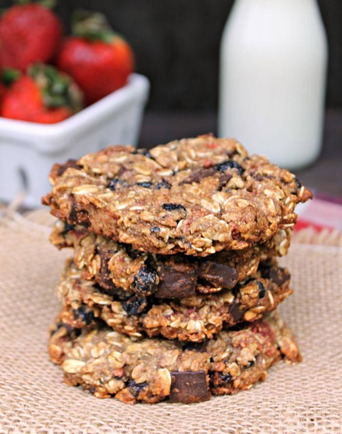 Vegan Chocolate Chunk Mixed Berry Cookies 7