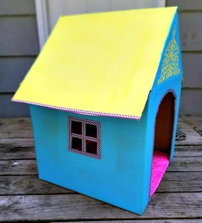 DIY Cardboard Cat House roof