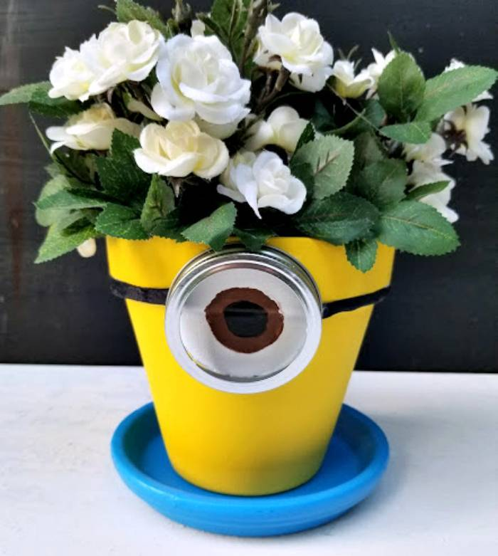 DIY Minion Flower Planter roses