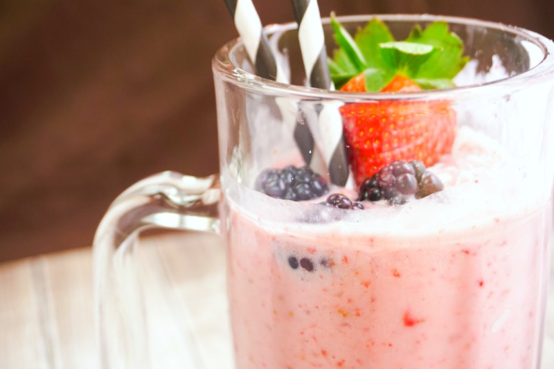 Boozy Vegan Strawberries And Cream Milkshake Recipe
