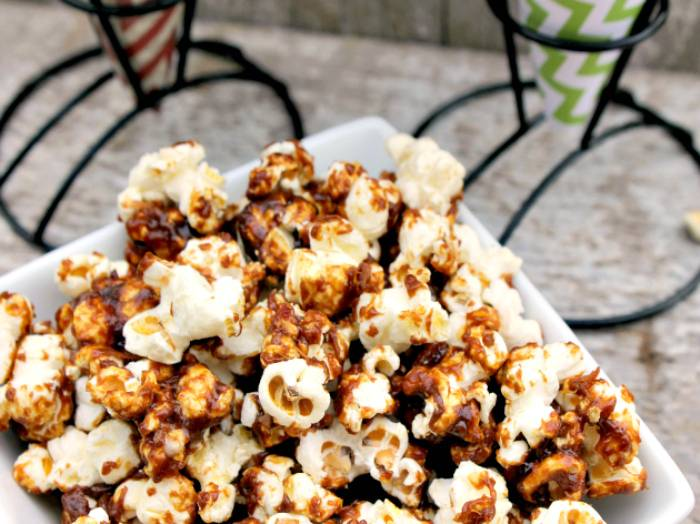 best homemade bacon, bourbon & caramel popcorn recipe