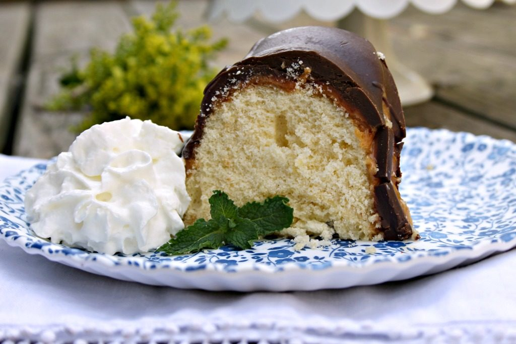 Twix Candy Bar Bundt Cake Recipe 2
