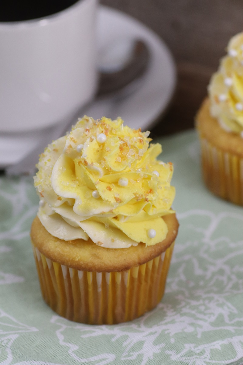 Lemon Pudding Poke Cake Cupcakes Recipe 2