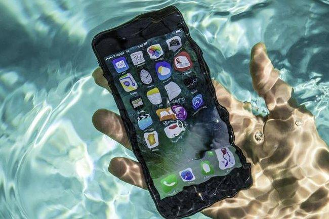 How To Protect Your Mobile Device This Summer
