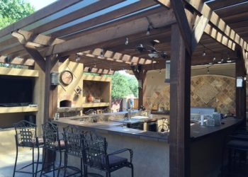 Planning the Perfect Outdoor Kitchen